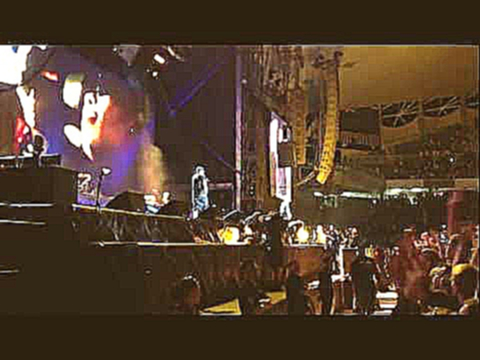 Eminem - The Real Slim Shady and Without Me (Live in Sydney).MOV