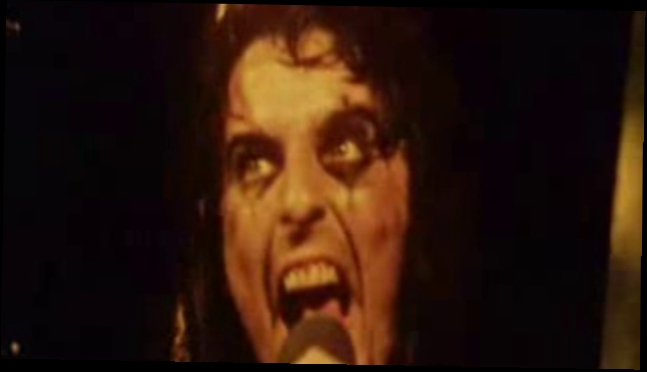 Alice Cooper - I Love The Dead.