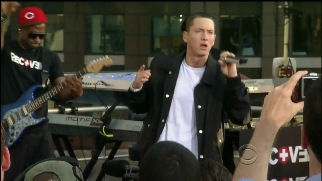 Eminem - Not Afraid (Live)